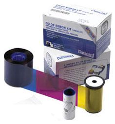 Ribbon Color Datacard P/N: 546314-701 - Ribbon color para 500 impressões em até 16.000 cores em 5 painéis (YMCKT) nas cores amarelo, magenta, ciano, preto e topcoat, que é a camada de proteção que garantirá a qualidade e durabilidade dos cartões impressos nas Impressoras Datacard SP30 Plus.