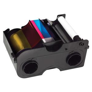 Ribbon Color Fargo P/N: 45000 - Ribbon color para 250 impressões em até 16.000 cores em 5 painéis (YMCKO) nas cores amarelo, magenta, ciano, preto e overlay, que é a camada de proteção que garantirá a qualidade e durabilidade dos cartões impressos nas Impressoras Fargo DTC1000.